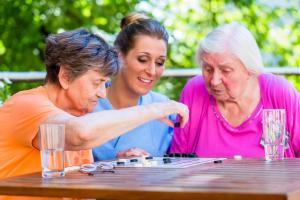 Aide à l'activité et à l'occupation chez la personne âgée