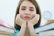 Cette analyse confirme de précédentes études sur le lourd tribut en santé mentale, payé et à payer par les jeunes (Adobe Stock 118920478)