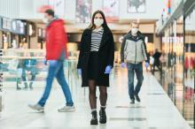 COVID-19 : le masque aurait permis d'éviter plus de 78.000 infections en Italie sur 1 mois de pic (6 avril au 9 mai) (Visuel AdobeStock_337839342)