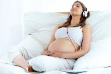 L'environnement sonore participe in utero au développement cérébral de l'enfant (Visuel Adobe Stock 71119527).